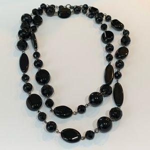 Jewelry - 💐5/25 quality black faceted glass bead long